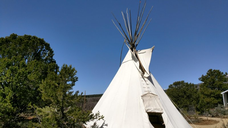 Authentic Tipi with Great Views!, holiday rental in Monticello