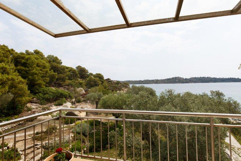 Segunda planta dormitorio con vistas al mar, balcón