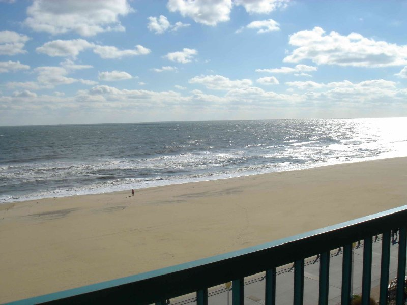 Oceanfront Condo 2 Bedroom 2 5 Bathrooms Boardwalk Bike Path Updated 2019 Virginia Beach