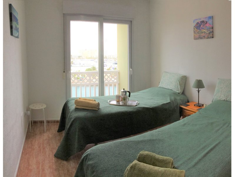 Twin bedroom with aircon overlooking marina, Mar Menor and Med