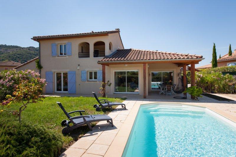 Villa Alize - voor 10 personen met privezwembad op Les Rives de l'Ardeche, location de vacances à Vallon-Pont-d'Arc