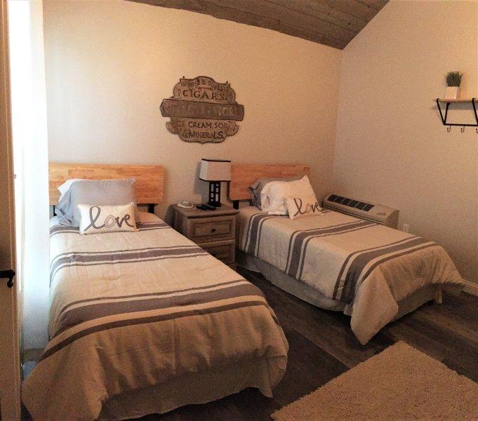 Flying Duck - Galloping Goose Cottages, alquiler de vacaciones en Crittenden