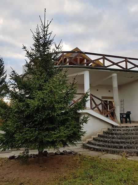 Martha Residence, holiday rental in Selimbar