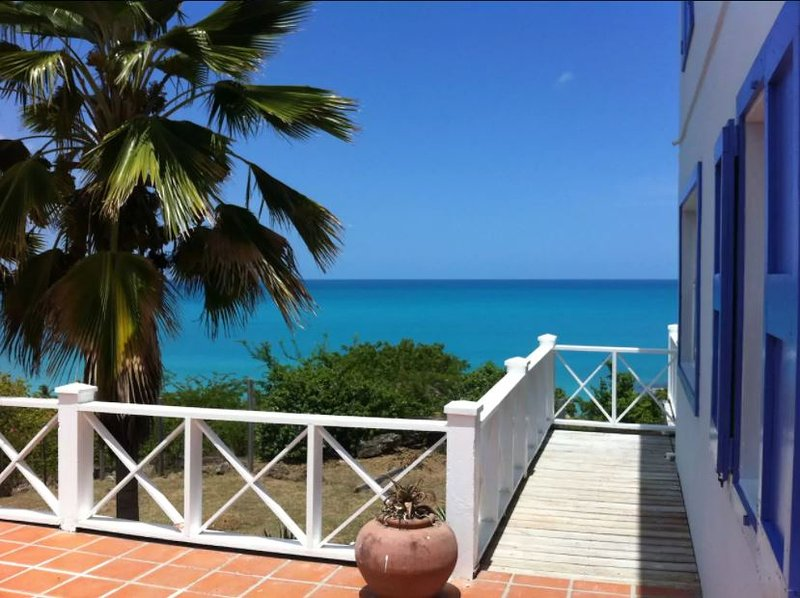 Aloe Villa in Galley Bay, Pool & Stunning Views, holiday rental in Five Islands Village