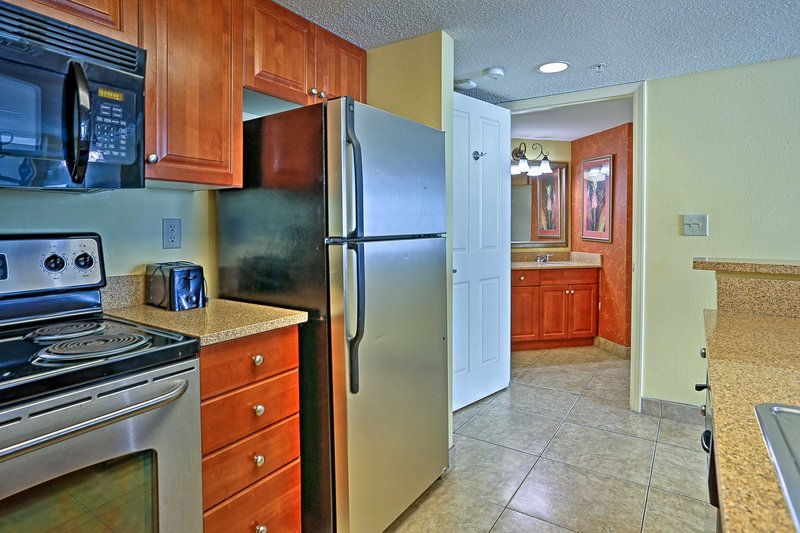 With stainless steel appliances, this home feels like a Food Network studio.