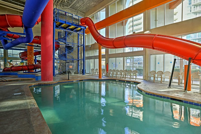 With unparalleled community amenities like 2 water parks and 4 pools, this condo feels like a 5-star resort.