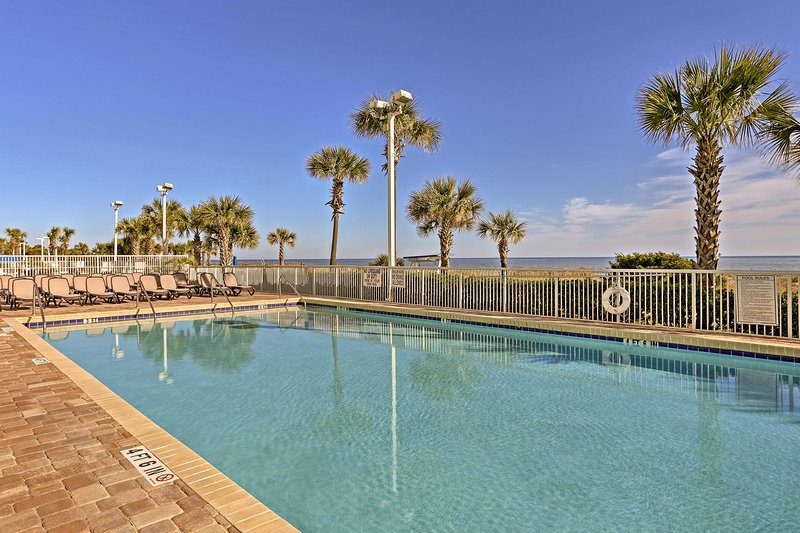 There are 4 pools on the property, 2 indoor and 2 outdoor.