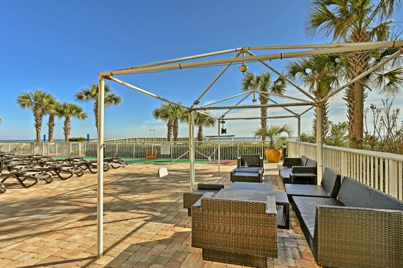 Move your family dinner outside and enjoy it in the poolside cabanas.