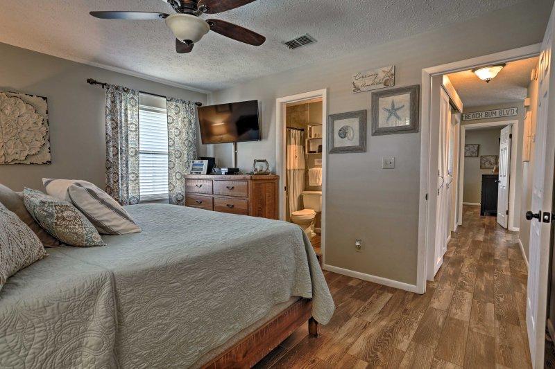 Entrambe le camere sono dotate di letti king size e bagno en-suite.
