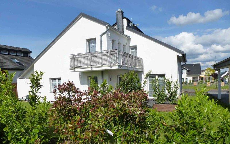 Sehr attraktive Ferienwohnung mit Balkon in Limburg an der Lahn nahe Altstadt, vacation rental in Villmar