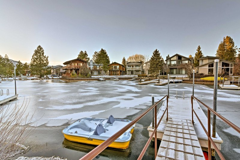 Explore the shores of South Lake Tahoe from this vacation rental townhome!