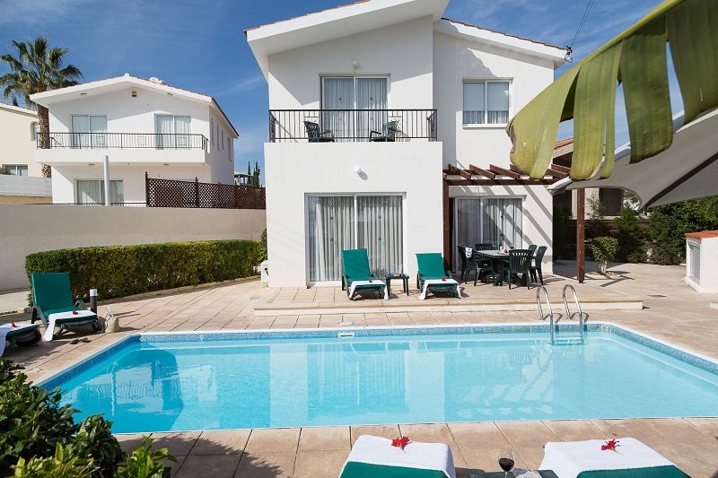 Coral Bay Sunbeam Villa, vacation rental in Peyia