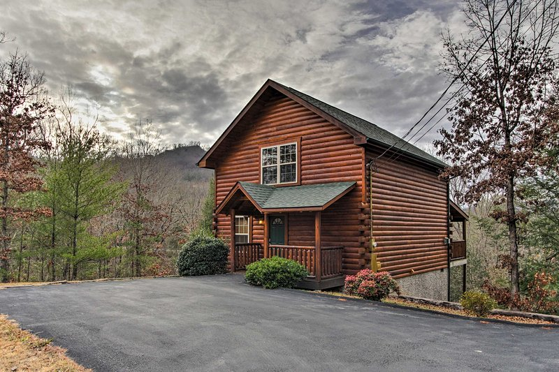 This peaceful cabin is just minutes from all of the excitement in Pigeon Forge!