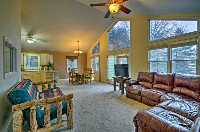 Dopo escursionismo, lo sci, ed esplorare Waynesville, 1 camera da letto, 1 bagno di appartamento in affitto è la base perfetta per tornare!