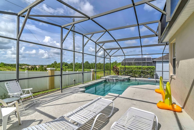 Escape to the Sunshine State and stay at this vacation rental villa in Davenport