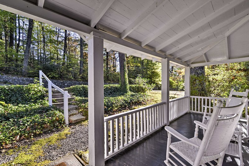 Escape to Saluda at this vacation rental cottage!