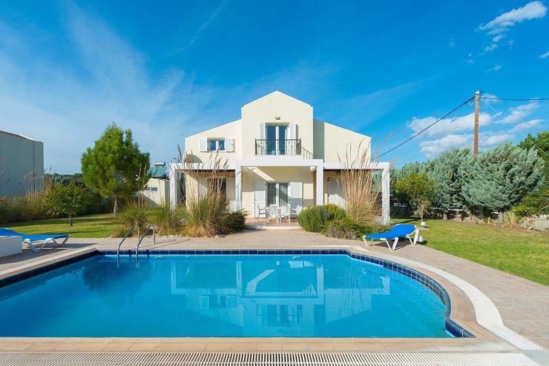 Apollo Villa, holiday rental in Kolimbia