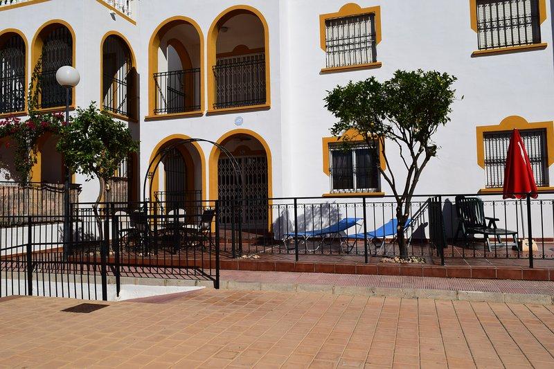 Ground Floor Apartment - Opposite pool C, holiday rental in La Zenia