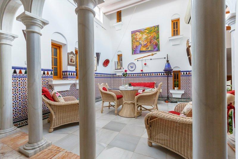 Casa Glorieta en lujosa villa de Níjar con piscina, aluguéis de temporada em Nijar