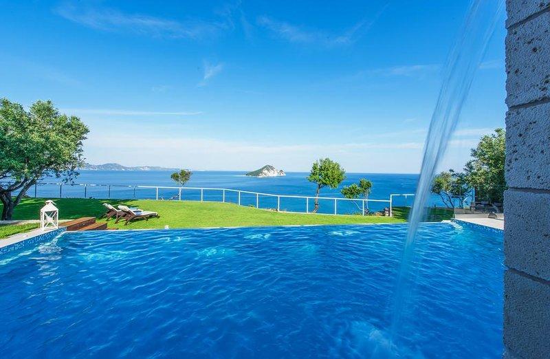Avra Top Luxury Seaview Villa, Keri Zante, aluguéis de temporada em Keri Village