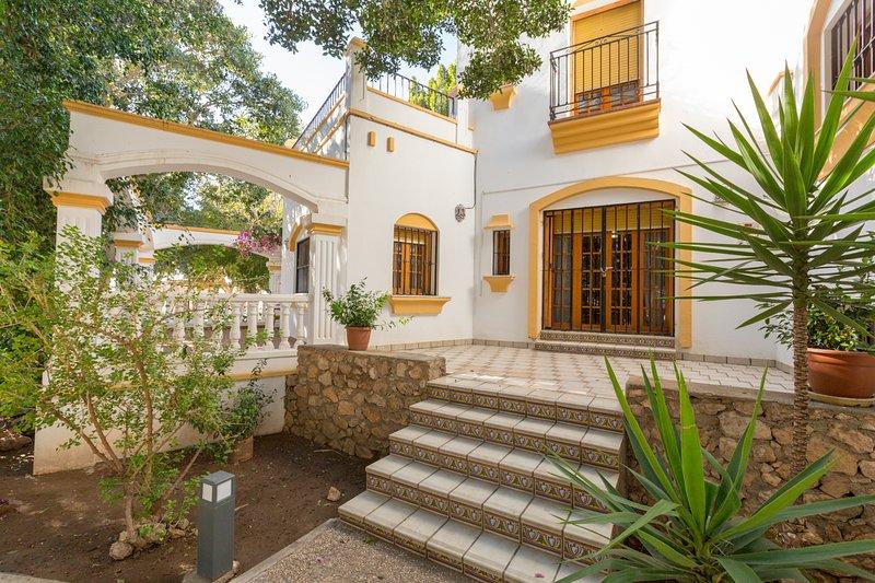 Casa Duende en lujosa villa con piscina, aluguéis de temporada em Nijar