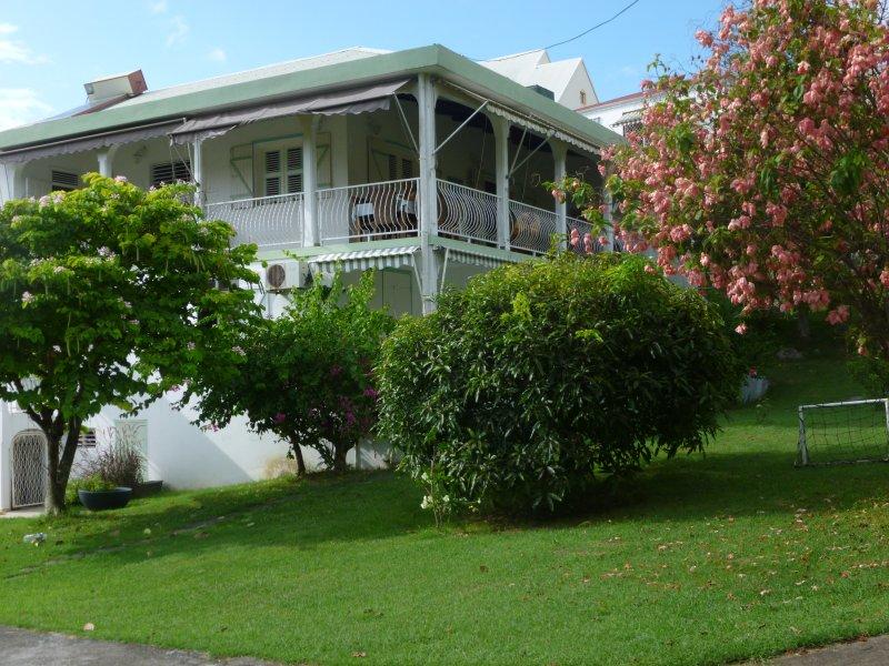 La résidence Les Musandas vous propose des hébergements à prix tout doux pour vo, location de vacances à Le Gosier
