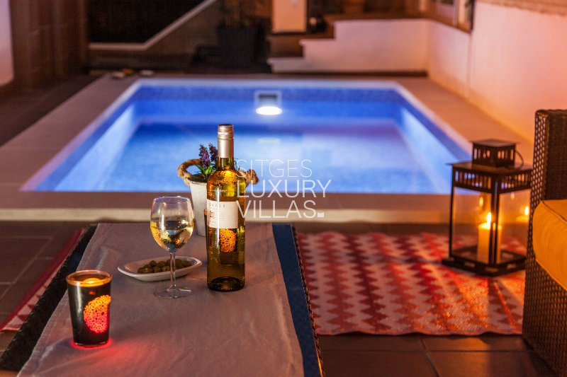 Heated pool area outer-