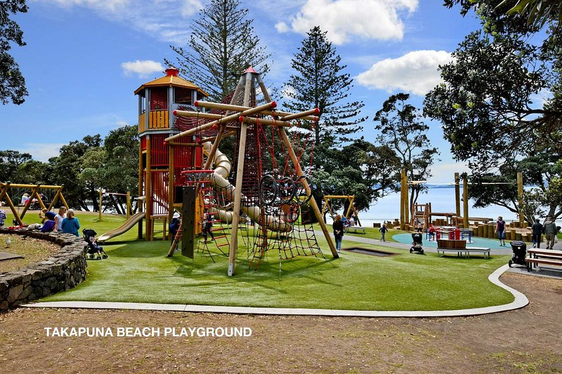 Where? 300 metres walk from Sky Blue Takapuna!  Gould Reserve, The Strand, Takapuna, Auckland