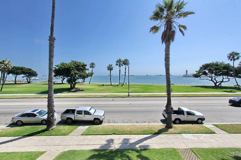 Uitzicht op de oceaan vanaf de voorste ramen. Absoluut ongelofelijk!
