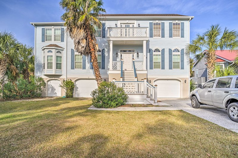 Escape to the coast and stay at this 5BR, 4.5-bath Fripp Island vacation rental!
