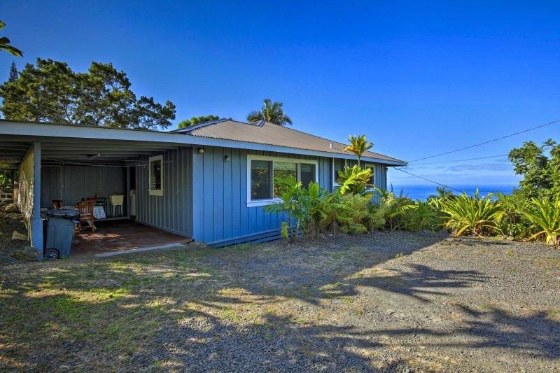 'Holualoa Hale' Home w/Ocean Views - 5 Mi to Kona!, aluguéis de temporada em Holualoa