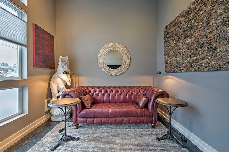 Sleek Seattle Studio 5 Min to Downtown Ballard!, holiday rental in Shoreline