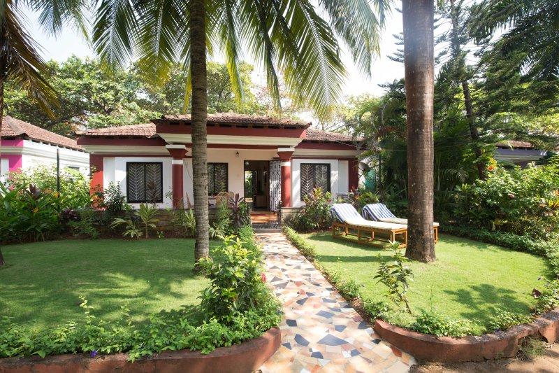Mayfair Villa, holiday rental in Corlim