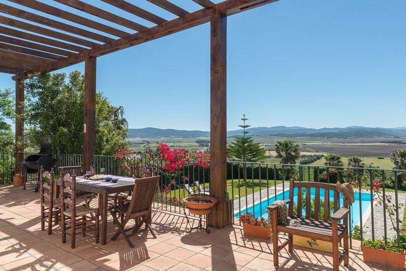 Villa Lino - Resort Villas Andalucia, holiday rental in Benalup-Casas Viejas