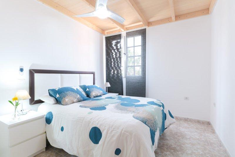 #1 Private Room Renovated Aprt in Town, vacation rental in Las Palmas de Gran Canaria