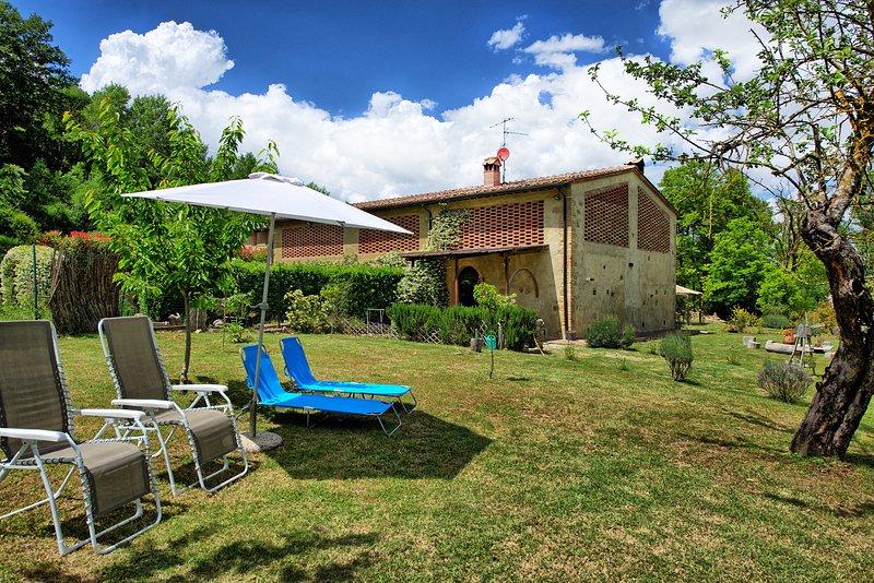 Mattone Villa Sleeps 5 with Pool and Air Con - 5241682, aluguéis de temporada em Montecchio