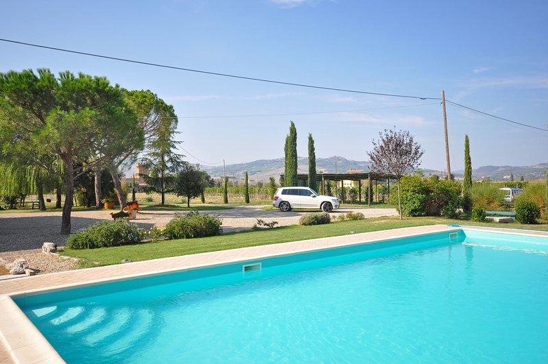 Gallina Villa Sleeps 8 with Pool and WiFi - 5241663, alquiler vacacional en Gallina