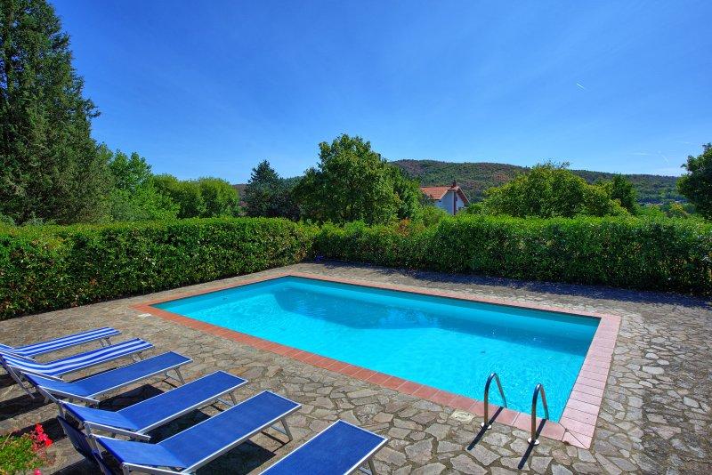 Ambra Villa Sleeps 8 with Pool and WiFi - 5241650, casa vacanza a Ambra