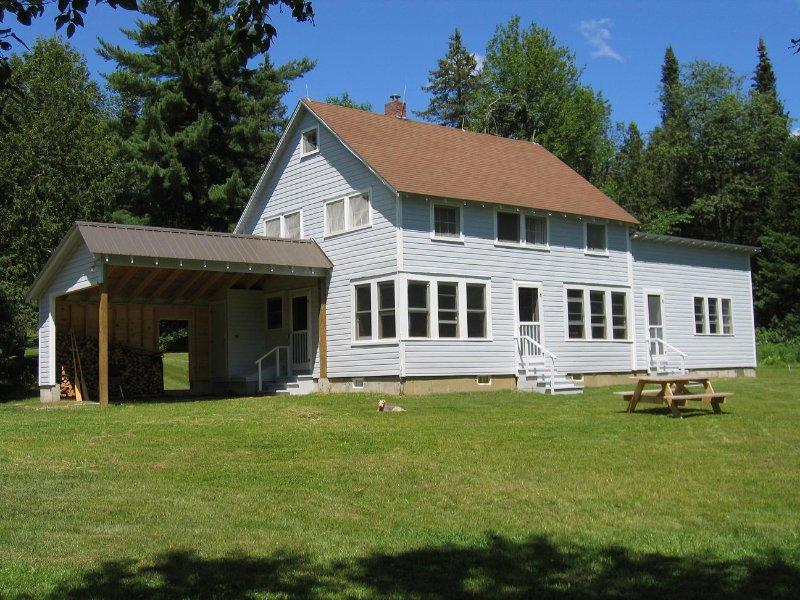 Summer House - situé dans une grande pelouse privée