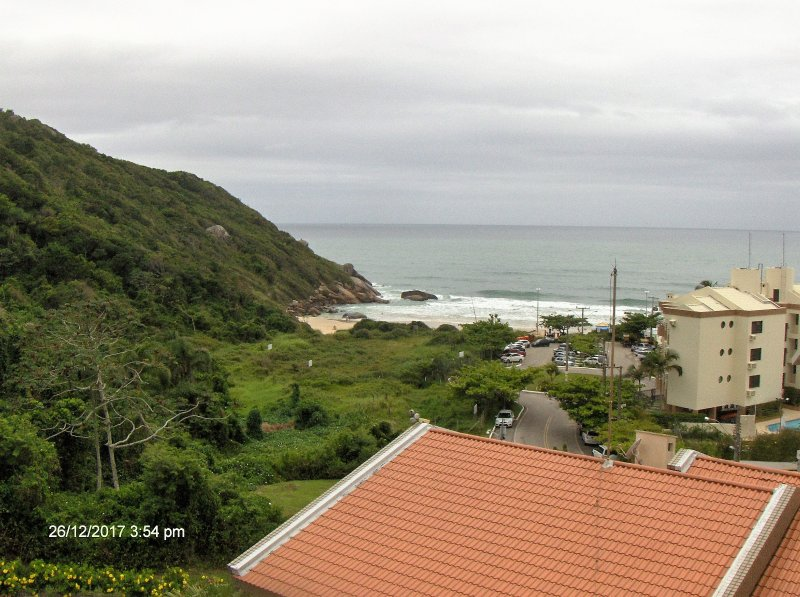 Nice condo in Praia Brava, alquiler de vacaciones en Praia Brava