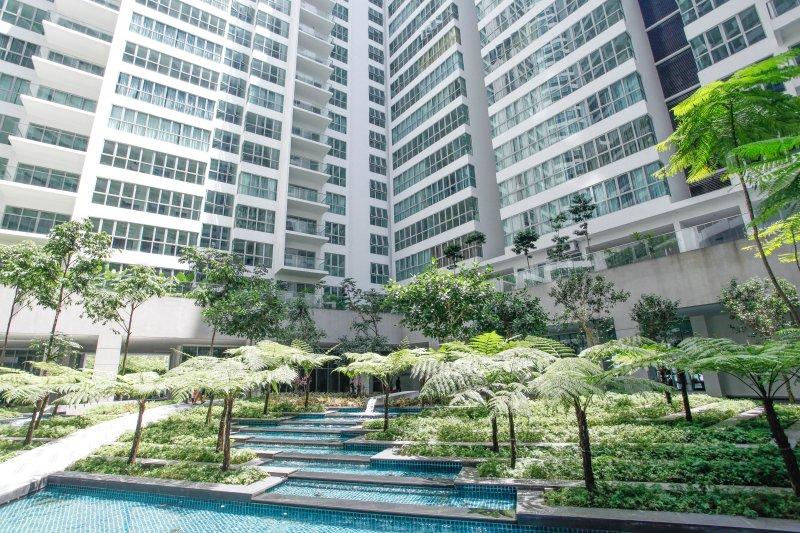 Private Regalia Flyover, Sunway Putra Mall Hotel, PWTC, LRT