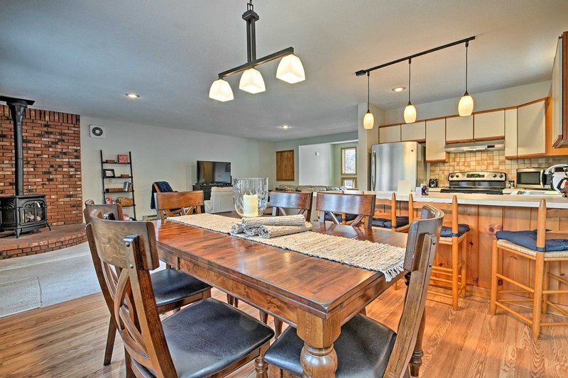 Plan an alpine escape to this 3-bedroom, 2.5-bath vacation rental townhome.