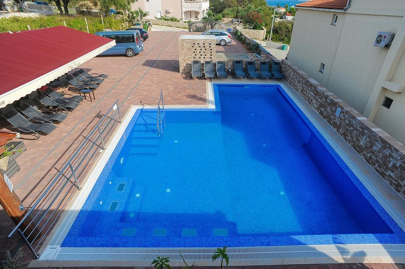 Caska Apartment Sleeps 4 with Pool and Air Con - 5504404, holiday rental in Caska
