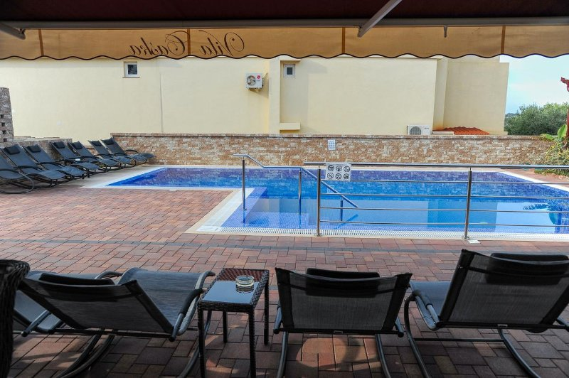 Caska Apartment Sleeps 4 with Pool and Air Con - 5504409, holiday rental in Caska