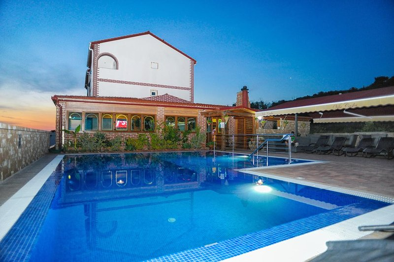 Caska Apartment Sleeps 6 with Pool and Air Con - 5461666, holiday rental in Caska