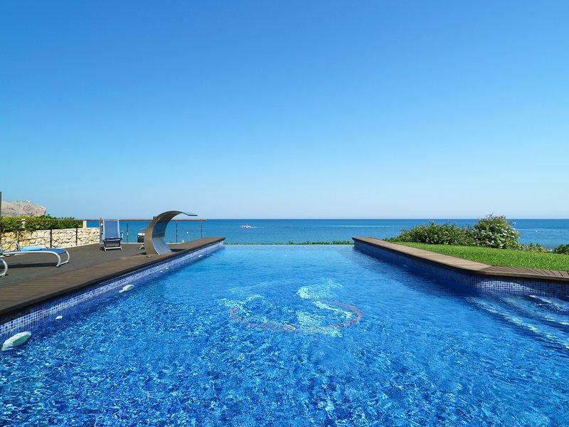 Javea Villa Sleeps 10 with Pool and Air Con - 5504319, vacation rental in El Tosalet