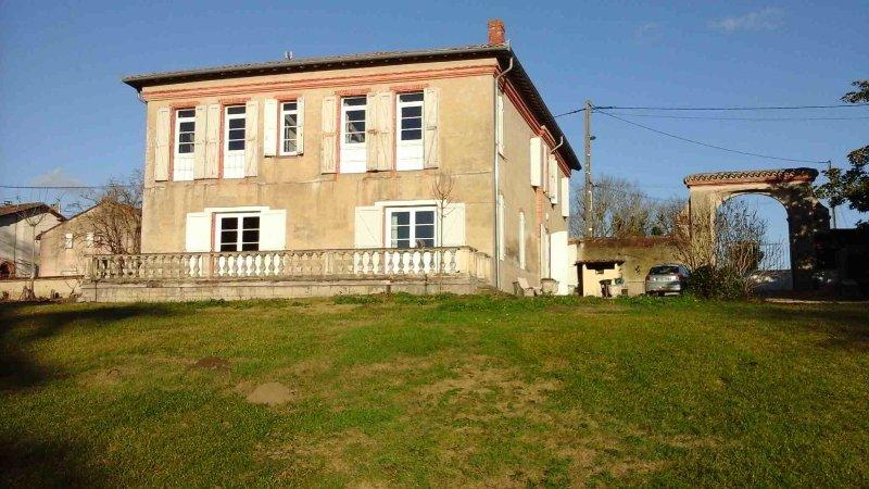 Maison de caractère entre Toulouse et Montauban, holiday rental in Drudas