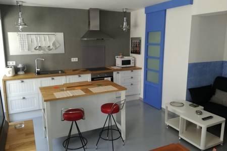 Apartamento a cinco minutos de la playa-Zona Universidad Politécnica-Wifi, holiday rental in Valencia