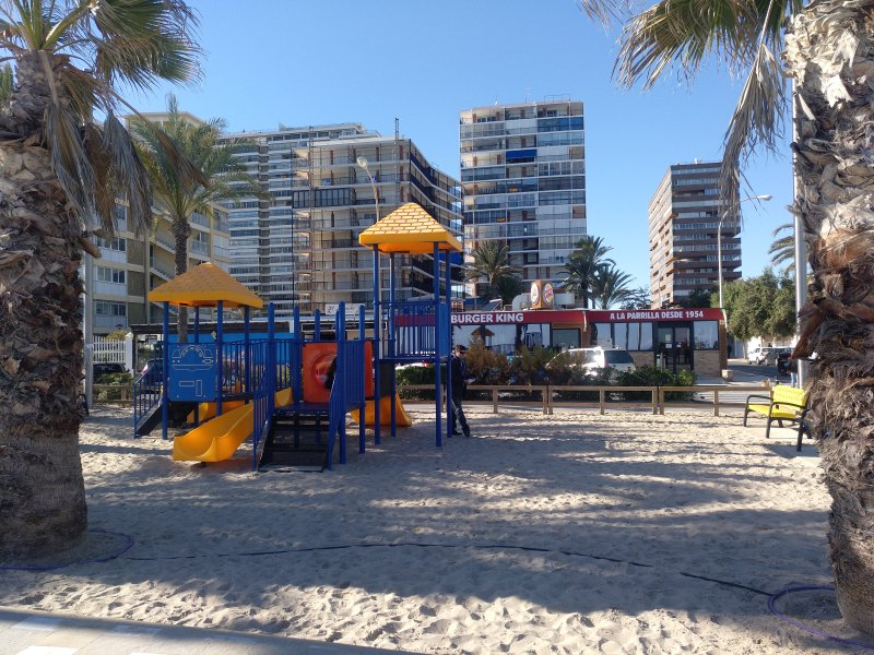 playground on the promenade of the Playa de San Juan (2 minutes walk from the apartment)