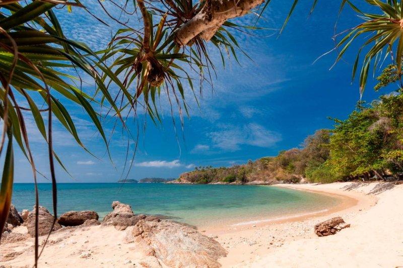Baan Khunying - Secluded Beachfront Paradise Villa in Phuket, Thailand, casa vacanza a Ya Nui